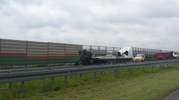 2017-06-23 Zderzenie i pożar dwóch ciężarówek na autostradzie A2. Dziewiętnaście godzin blokady
