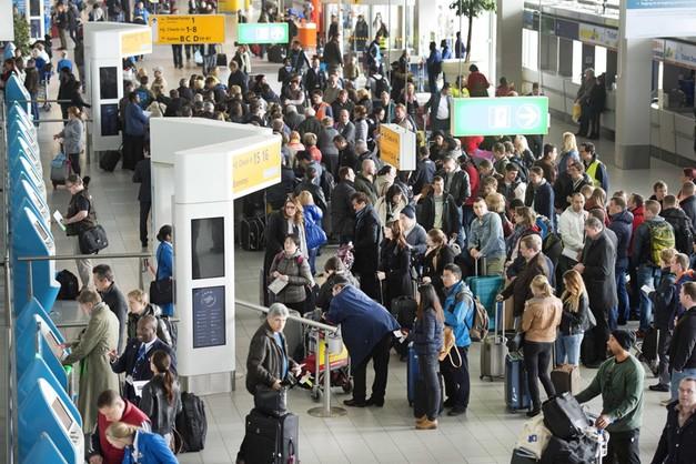 Amsterdam bez prądu. Tysiące ludzi utknęły na lotnisku