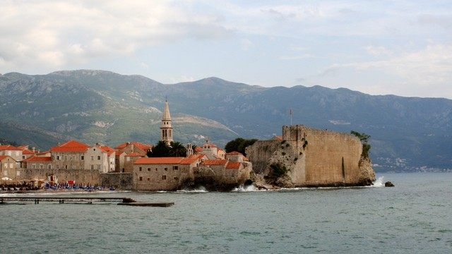 Rosja finansuje kampanię przeciwko wejściu Czarnogóry do NATO?