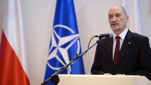 Więcej żołnierzy pojedzie do Afganistanu? Macierewicz odpowiada na apel szefa NATO