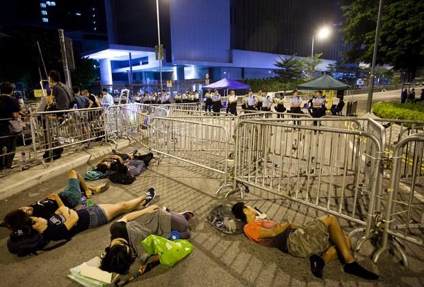 Spokojniej w Hongkongu. Demonstranci wracają do domów