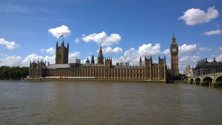 Wielka Brytania: wzrost o 41 proc. przestępstw motywowanych nienawiścią