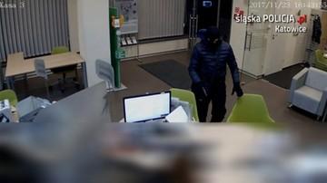Ujawniono nagranie z napadu na bank w Katowicach. Przestępca ucieka i gubi pieniądze