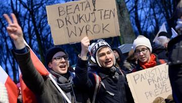 Manifestacja przed Kancelarią Premiera. Apele o publikację wyroku TK