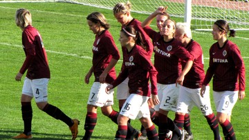 2016-10-05 Piłkarze Sparty Praga za karę trenują z... kobietami