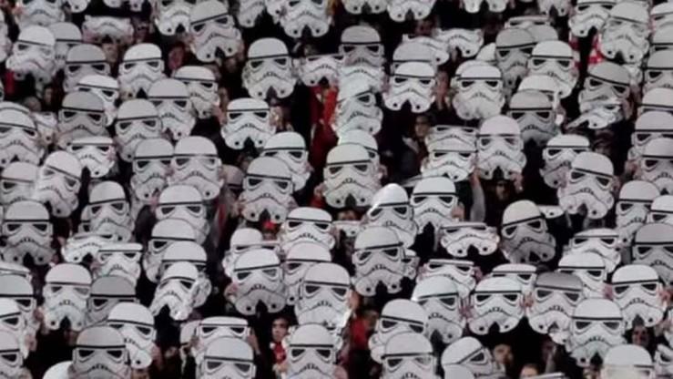 """""""Gwiezdne Wojny"""" na stadionie. Niesamowita oprawa kibiców w Sofii"""