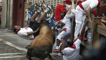 08-07-2016 11:20 Podczas gonitwy w Pampelunie byki wzięły na rogi sześć osób