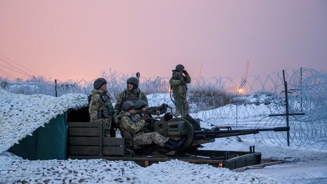 Ukraina: Mimo zawieszenia broni w Donbasie trwają walki