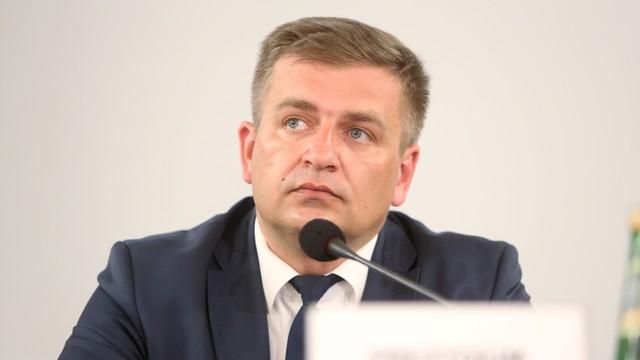 Arłukowicz do Radziwiłła: Pielęgniarki muszą wrócić do pracy, to pana zadanie