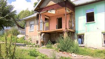 21-07-2016 21:33 Samorządowy spór o Romów. Gmina kupiła im dom w sąsiedniej gminie, która nie chce ich przyjąć