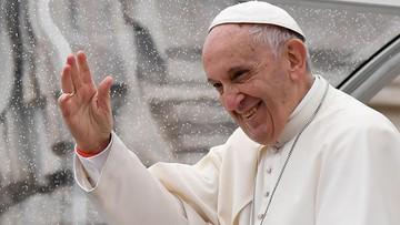20-11-2017 15:27 Papież apeluje, by kierowcy nie rozmawiali przez telefon podczas jazdy