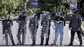 """Stłumiono zbrojne wystąpienie """"w obronie ładu konstytucyjnego"""" w Wenezueli"""
