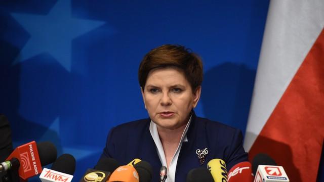 W piątek premier podsumuje 100 dni rządu; PiS podkreśla dokonania, opozycja krytyczna