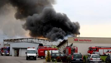 Spłonęła hala w Katowicach. Kłęby dymu nad miastem