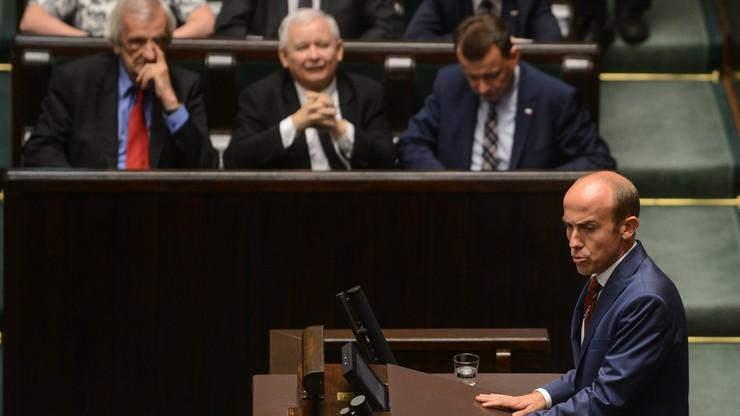 """Burzliwa debata w Sejmie o Trybunale. """"Znowu nocą, znowu w pośpiechu, znowu niekonstytucyjnie"""""""
