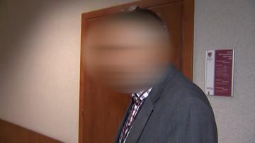 Urzędnik z Sieradza usłyszał zarzut wykorzystywania dziecka i… wrócił do pracy