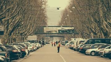 21-02-2017 21:04 Władze Stuttgartu ograniczą wjazd samochodów z silnikiem Diesla