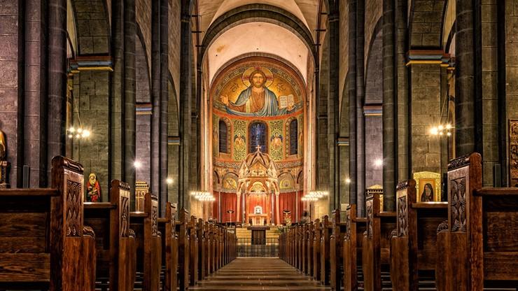 Coraz mniej wiernych na niedzielnych mszach
