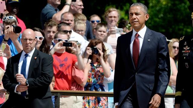 Obama złożył hołd poległym amerykańskim żołnierzom