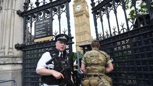 Brytyjska policja zatrzymała 5. osobę w związku z zamachem w Manchesterze