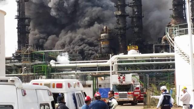 Meksyk: trzech zabitych, ponad 100 rannych w wybuchu w zakładach petrochemicznych