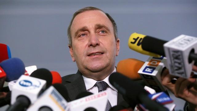 Schetyna: PiS łamie palce demokracji, będziemy jej bronić w samorządach