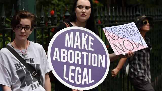 WHO: Co roku na świecie 25 procent ciąż kończy się aborcją