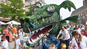 04-06-2017 15:23 Wielka parada smoków przeszła ulicami Krakowa