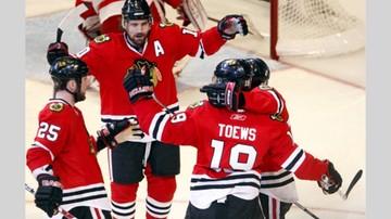 2017-02-22 NHL: Wygrana Blackhawks z Wild w meczu na szczycie, popis Toewsa