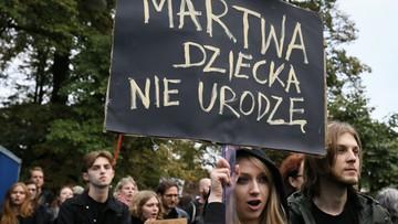 22-09-2016 18:07 Przed Sejmem demonstracje zwolenników i przeciwników aborcji