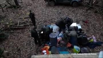 20-10-2017 18:14 Leśnicy usunęli najdłużej trwającą blokadę wywózki drewna z Puszczy Białowieskiej. Są oskarżani o brutalność