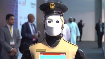 Dubajski robocop strzeże porządku na ulicach