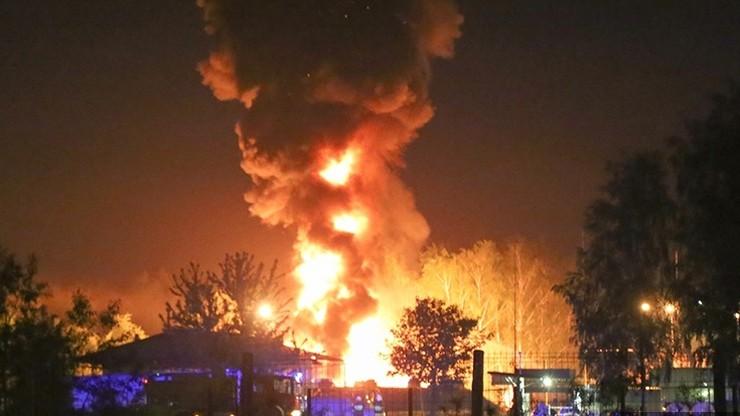 Nocny pożar w Ostrołęce. Spłonęły cysterny