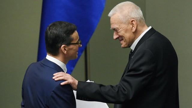 Kornel Morawiecki krytykuje rząd syna? Uchodźcy powinni zostać przyjęci - nie ma powodów do zwlekania