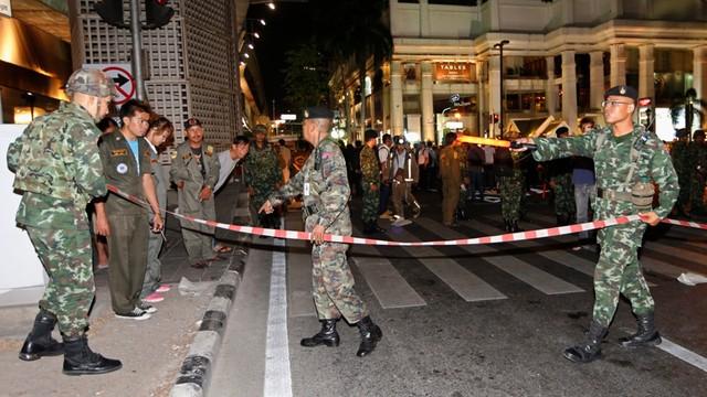 Tajlandia: Trwają poszukiwania zamachowca. Nie działał sam