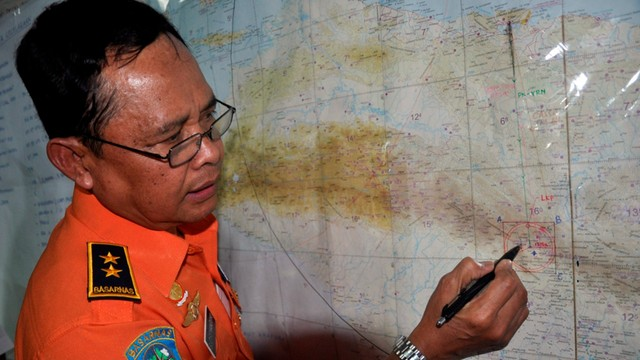 Indonezja: W rozbitym samolocie było prawie pół miliona dolarów