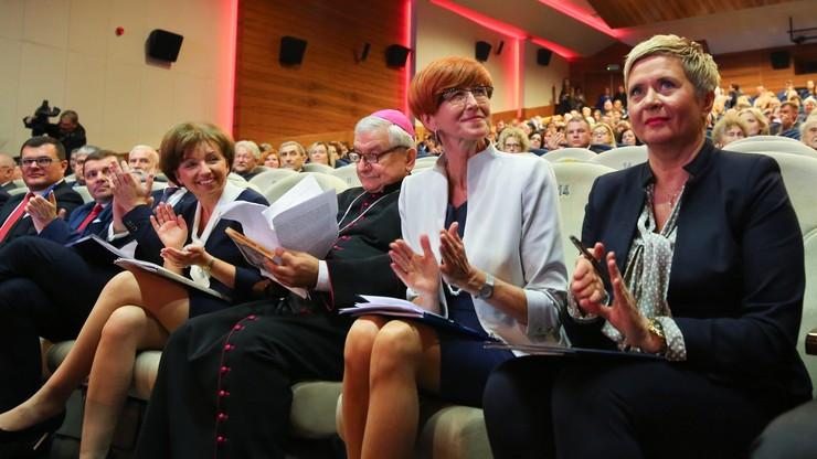 Rafalska: prawie 4 mln dzieci objętych programem 500+. Kosztował już 33 mln zł