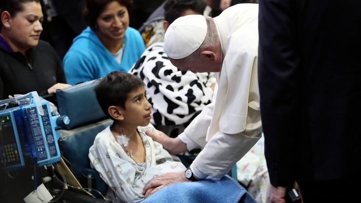 Papież odwiedził chore dzieci w Meksyku. Wzruszająca wizyta