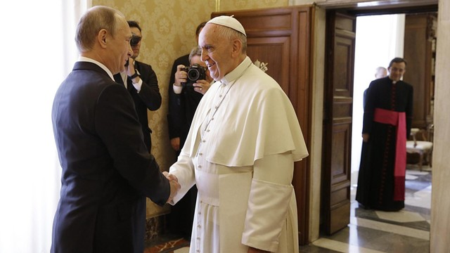 Papież spotkał się z Putinem - apelował o pokój na Ukrainie