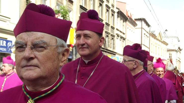 Arcybiskup Henryk Hoser trafił w czwartek do szpitala