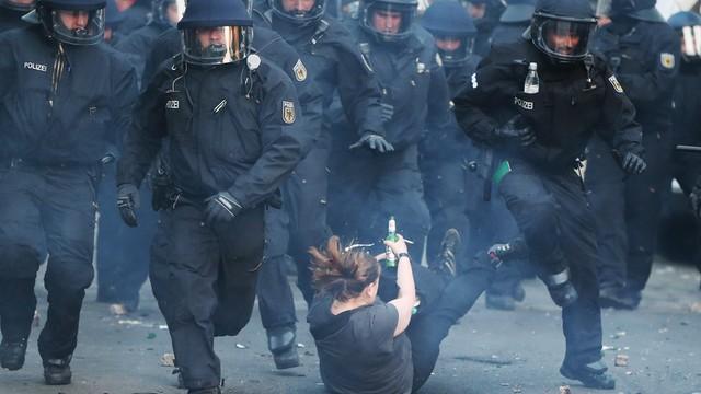Niemcy: 59 policjantów rannych podczas zajść 1 maja w Berlinie