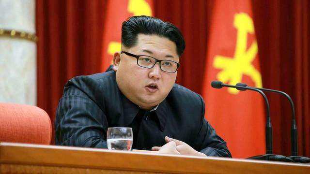 Rosja łamie sankcje? Reuters: tankowce dostarczają ropę Korei Północnej
