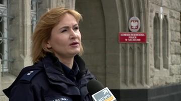 """2017-04-23 Policja: z powodu pożaru przyczep w Mścicach trzeba było zamknąć krajowa """"11"""""""