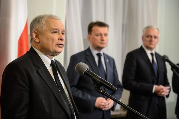 Kaczyński: skrócić kadencję samorządów i przeprowadzić nowe wybory