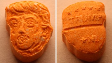 Tabletki ecstasy w kształcie głowy Trumpa. Narkotyki wieźli ojciec z synem