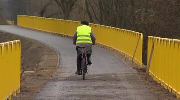 03-11-2015 18:12 Nad Narwią powstała ścieżka rowerowa, która oszpeciła krajobraz