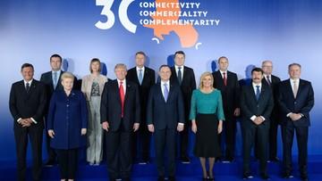 """06-07-2017 11:28 """"Inicjatywa Trójmorza ma potencjał, by osiągnąć ważne cele"""". Prezydent USA na sesji transatlantyckiej"""