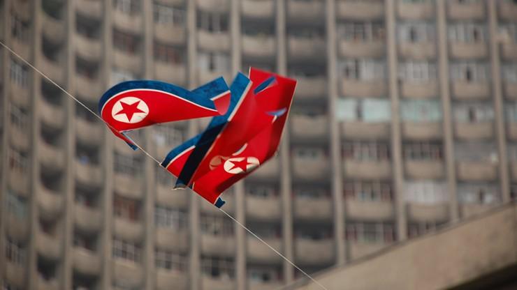 Korea Północna: amerykański student skazany na 15 lat ciężkich robót. Zdjął baner z politycznym hasłem