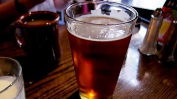 07-09-2016 14:00 79 proc. Polaków najchętniej sięga latem po piwo