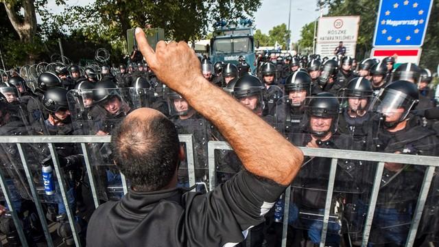 Premier Serbii wzywa UE, by zareagowała na brutalne zachowanie Węgier